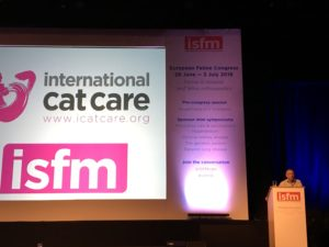 Dr. Andrew Sparkes, wissenschaftlicher Leiter der ISFM, begrüßt die Teilnehmer